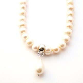 Freshwater pearl teardrop necklace