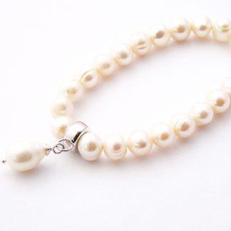 Freshwater pearl teardrop bracelet