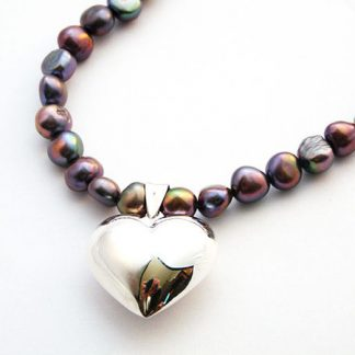 Grey freshwater pearl necklace with cushioned heart
